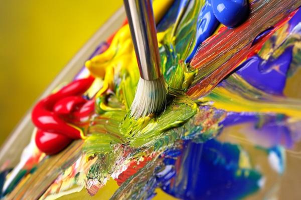 Процесс смешивания масляных красок